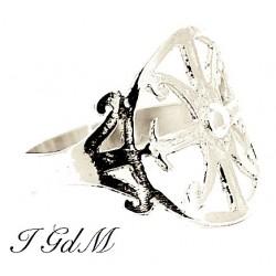 Ring lipari's symbol